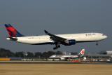 DELTA AIRBUS A330 300 NRT RF 5K5A9557.jpg