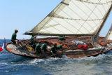 26 Douarnenez 2006 - Jeudi 27 juillet - Pen Duick 1er voilier mythique d'Eric Tabarly