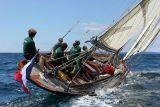 18 Douarnenez 2006 - Jeudi 27 juillet - Pen Duick 1er voilier mythique d'Eric Tabarly