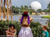 Princess Jasmin and Aladdin greet guests