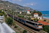 The BB25648 between Ventimiglia and Menton, heading to Nice.