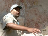 Explaining the aboriginal art, Carnarvon Gorge