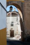 O Arco, o Pelourinho e a Igreja