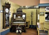 _DSC9266pb.jpg Pump Organ From The Past