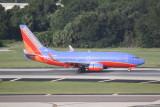 Boeing 737-700 (N913WN)