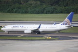 Boeing 737-900 (N37427)