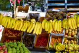 A fruity garland