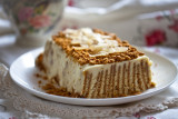 Mascarpone and ginger biscuit cake