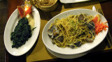 Spaghetti with clams and a side of spinach .. 5402_3