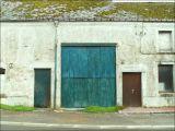 Grange bleue.
