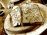 Almond Frenchtoast