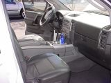 2005 Nissan 4x4 LEPower Captain Chairsfront driving areavery spacious