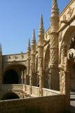 Mosteiro_dos_Jeronimos1.jpg