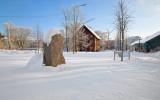 Runstenen  U75 vid Kista gård  ( N 59° 24.487', E 17° 56.481' )