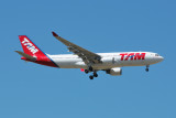 TAM Airbus A330-200 PT-MVT