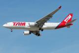 TAM Airbus A330-200 PT-MVS
