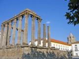 116 Evora Templo Romano.JPG