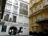 385 Heiligenkreuzerhof.JPG