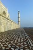 Side of Taj Mahal M8