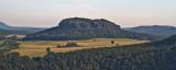 Blick von der Festung Königstein auf den Tafelberg Quirl