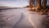 Bord du fleuve gelé