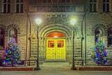 Town Hall Doors 31634-9