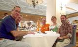 En el comedor con nuestra camarera Olga