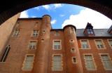 Dans la cour du palais musée