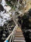 escalier sous la falaise