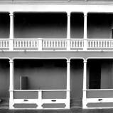 colonne et balcon