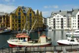 Ålesund inner harbor, Clarion Collection Bryggen Hotel (yellow)