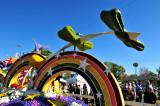 2013 Rose Parade float display.