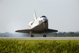 STS-131 Discovery Lands at KSC 4316a