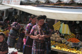 Ventas de Fruta en el Mercado Local