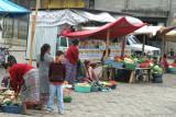 Ventas de Verdura  Frente al Mercado Local