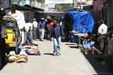 Mercado en las Calles Proximas al Parque