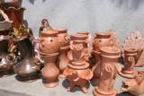 Ceramica en Venta en una de las Calles