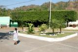 Parque al Final de la Calle Principal del Poblado