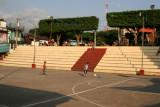 Cancha Para Basquetbol en el Parque Central