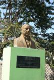 Busto de Benito Juarez en el Parque Infantil Local