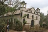 Iglesia Abandonada a la Entrada de la Zona Urbana