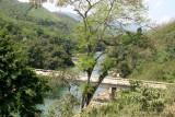 Vista del Rio Cahabon y Puente de Carretera Hacia Senahu