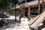 Juegos Infantiles en Pequeño Parque Local