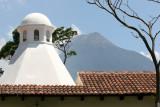 Cupula, Volcan y Teja. Representativo de Esta Ciudad
