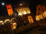 BOLOGNA: Piazza del Nettuno and the moon in a foggy night ...