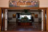 c0916 Entrance to Kona Inn