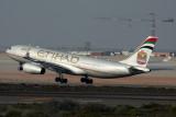 ETIHAD AIRBUS A330 200 AUH RF IMG_0884 .jpg