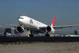 JAPAN AIR LINES BOEING 777 300ER LAX RF IMG_3258 .jpg