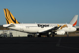 TIGER AIRWAYS AIRBUS A320 HBA RF IMG_0079.jpg