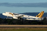 TIGER AIRWAYS AIRBUS A320 HBA RF IMG_0040.jpg